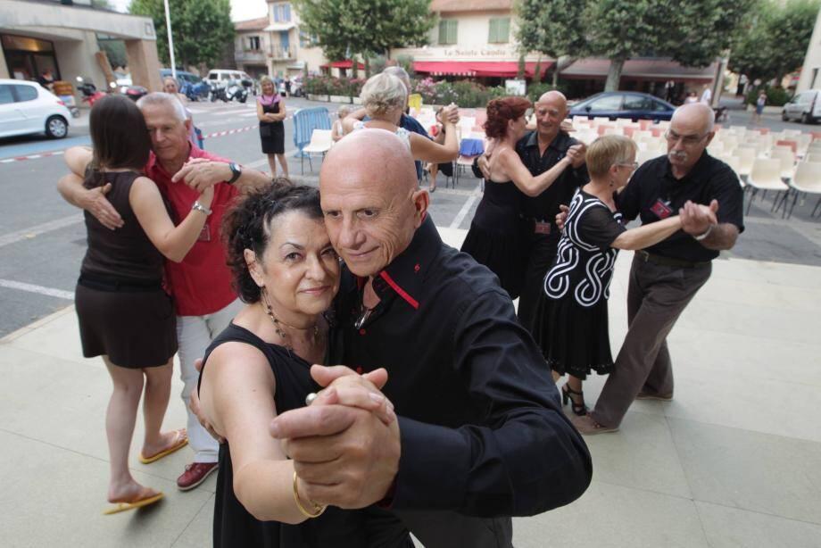 L'association Camino de tango en pleine démonstration.