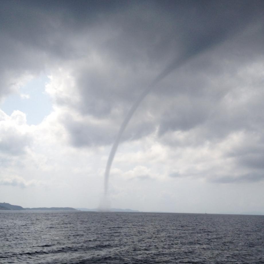 Une trombe marine s'est formée au large de l'île de Port-Cros ce jeudi aux alentours de 15h30.