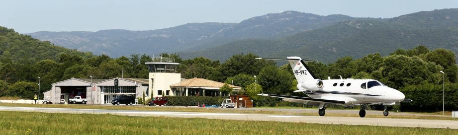 L'aéroport de La Môle - Saint-Tropez vendu: inquiétude des défenseurs du site