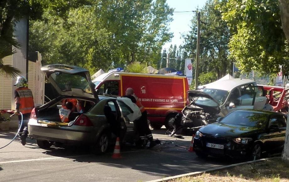 Une violente collision entre deux voitures s'est produite lundi après-midi sur la RD 559 à Grimaud