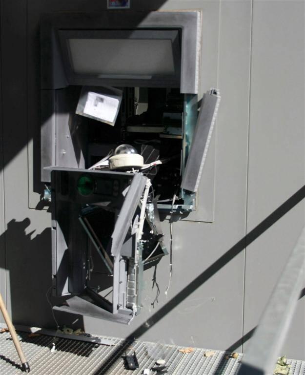 Un distributeur automatique de billets arraché à Vinon