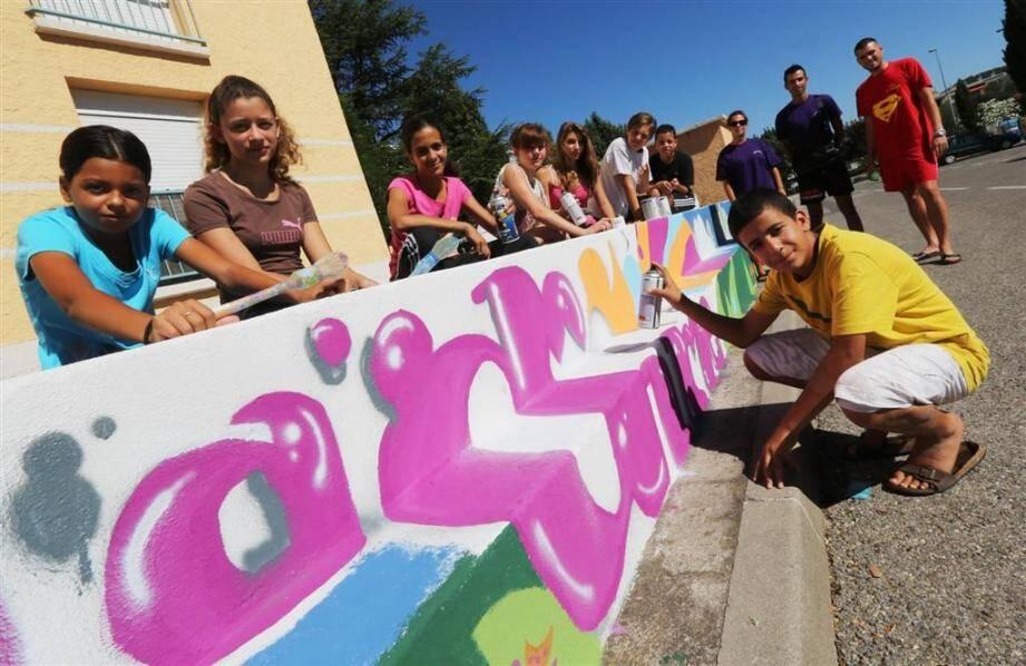 A Brignoles, les ados apportent couleur et gaieté en peignant leur quartier