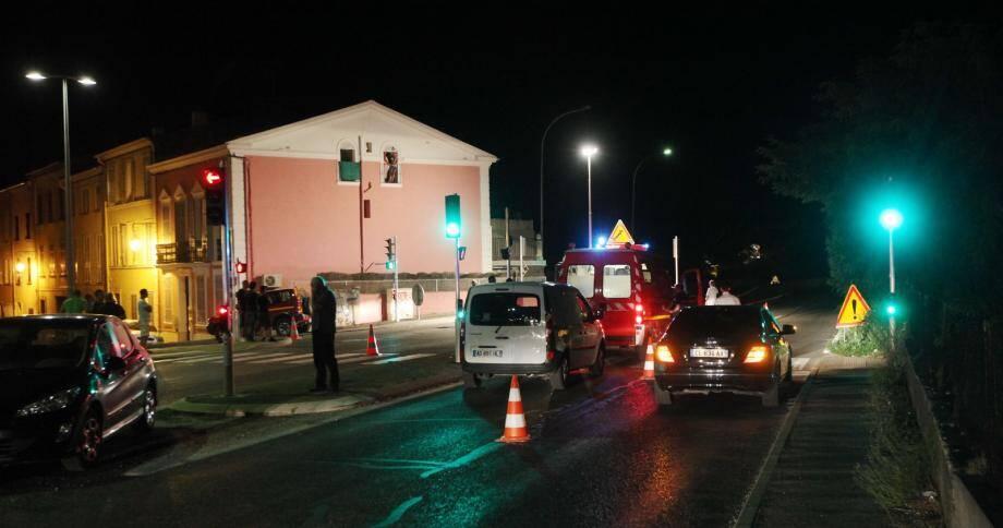 L'accident s'est produit dans la nuit de lundi à mardi à Trans-en-Provence, sur ce passage piéton, au niveau du carrefour de Trans, sur la nationale 555.