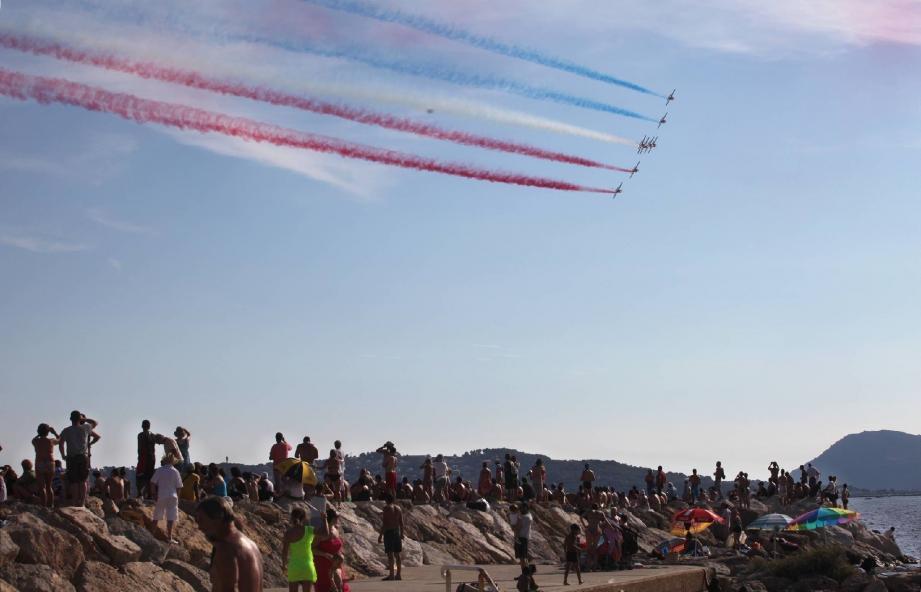Hier, en fin d'après-midi, les pilotes ont offert un beau spectacle au dessus de la rade.