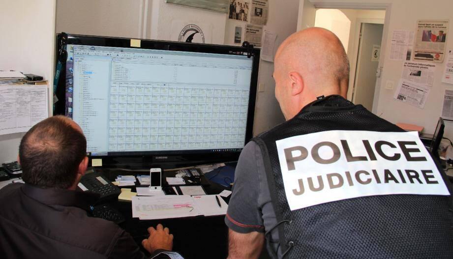 Les « cyber enquêteurs » de la PJ de Nice traquent dans les bas-fonds du Net les réseaux de hackers qui, entre autres, s'attaquent de plus en plus fréquemment aux entreprises de la Côte d'Azur.