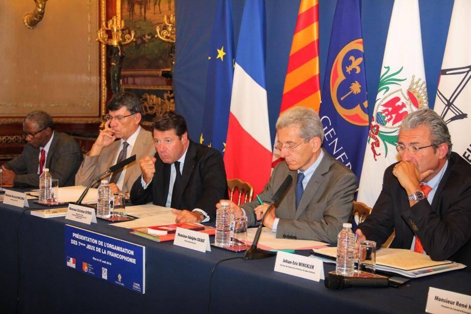 Président du comité national des Jeux de la Francophonie, le maire de Nice Christian Estrosi s'est chargé hier de présenter l'organisation de la manifestation, en présence du préfet Adolphe Colrat.
