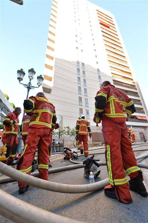 L'incendie a pris dans le local technique de l'immeuble de vingt étages de l'avenue des Citronniers. Aucun blessé n'est à déplorer. Mais l'ascenseur ne fonctionne plus.