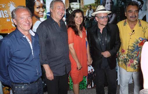 Bono, le chanteur de U2, en visite surprise aux Nuits du Sud de Vence, ce jeudi soir.