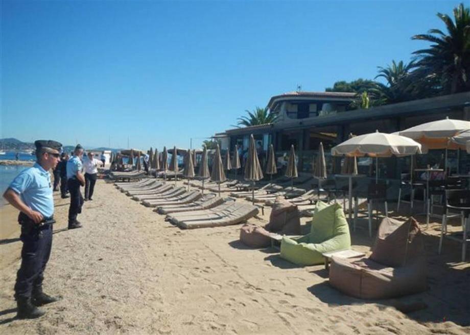 Hier mercredi, les gendarmes ont saisi tout le matériel de la plage Pearl Beach à Saint-Tropez.