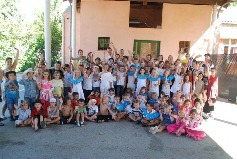 Le centre d'éducation et de loisirs de Sainte-Anastasie en fête