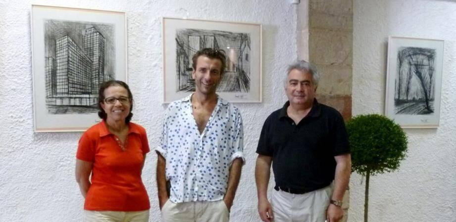 Latifa Amalberti et Serge Leibovitz ont acueilli Nicolas Buffet, fils de l'artiste, qui a bien voulu prêter les dernières oeuvres de son père à Seillans.
