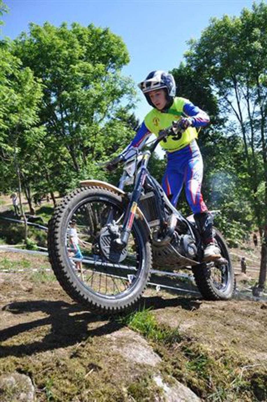 Quentin Carles de Caudemberg a décroché le titre mondial de trial 125cc en Angleterre