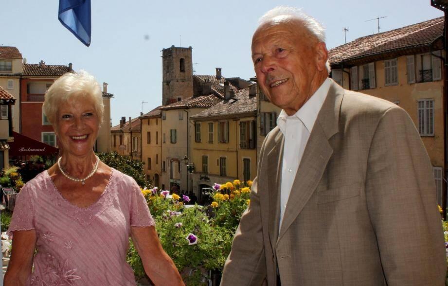 """170 ans à eux deux... Térésa et René se sont dit """"oui""""."""