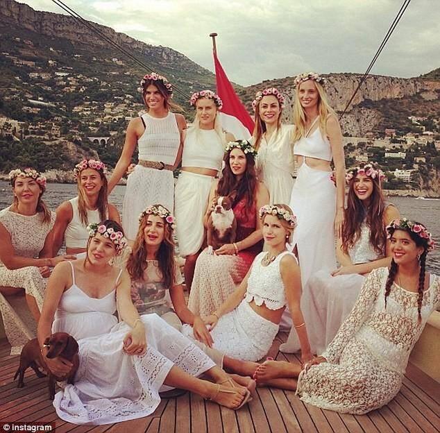 La cérémonie, c'est samedi. Mais le mariage d'Andrea et Tatiana a bel et bien commencé dès ce vendredi...