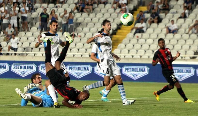 L'OGC Nice cul par-dessus tête à Chypre, sèchement battu jeudi soir (2-0) par l'Apollon Limassol pour ses retrouvailles avec l'Europe.