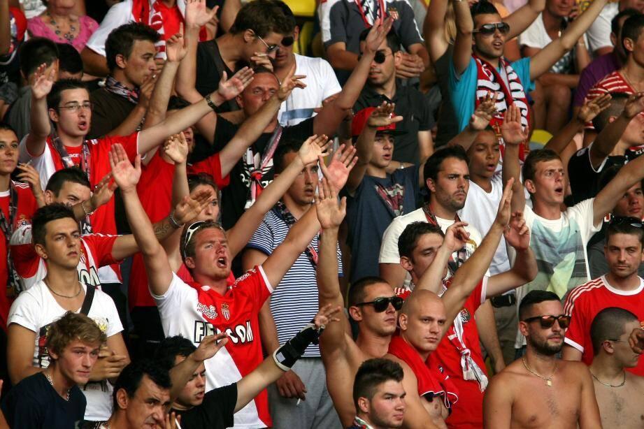 Les Ultras monégasques donneront de la voix toute la saison pour supporter les Rouges et Blancs et les hisser au sommet du championnat.