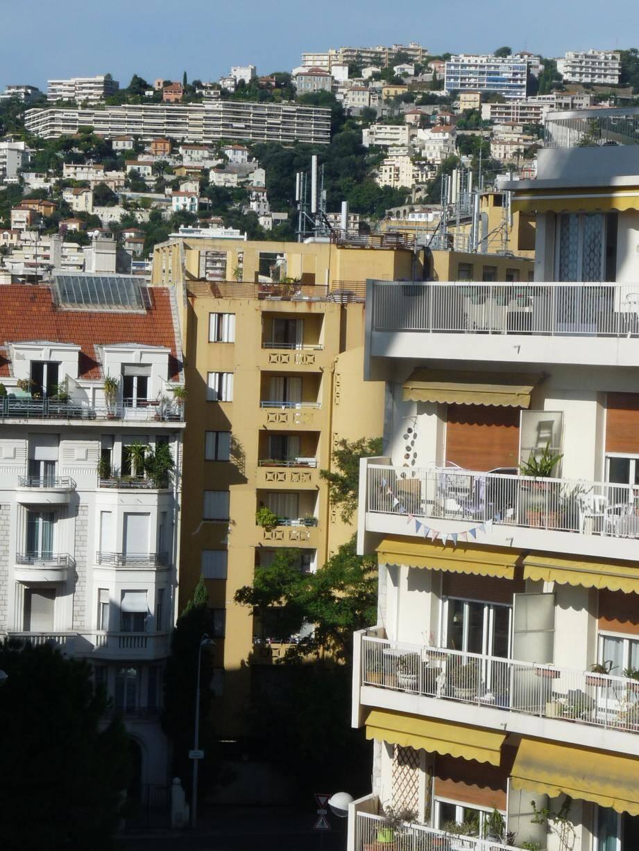 L'immeuble sur lequel sont installées les antennes appartient au bailleur social Côte d'Azur Habitat.