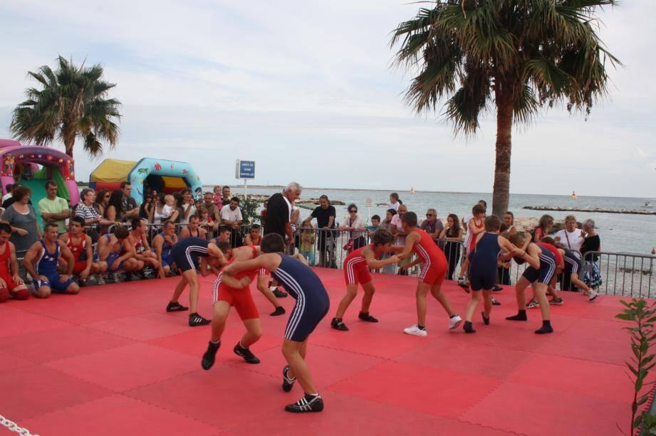Les clubs ont pu proposer de nombreuses démonstrations, en bord de mer, sur l'esplanade des Goélands