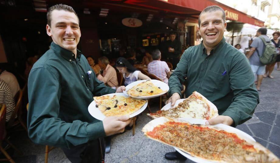 Eh oui : si la pizza a été inventée en Italie, c'est à Nice, rue Masséna, que l'idée d'un vrai restaurant, mais spécialisé dans les pizzas, a pris forme, après la Seconde Guerre mondiale.