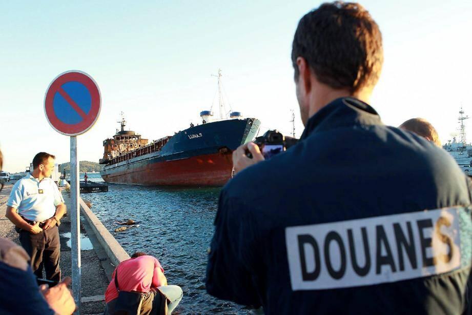 Le cargo arraisonné dimanche arrive jeudi vers 18h30 en rade de Toulon.