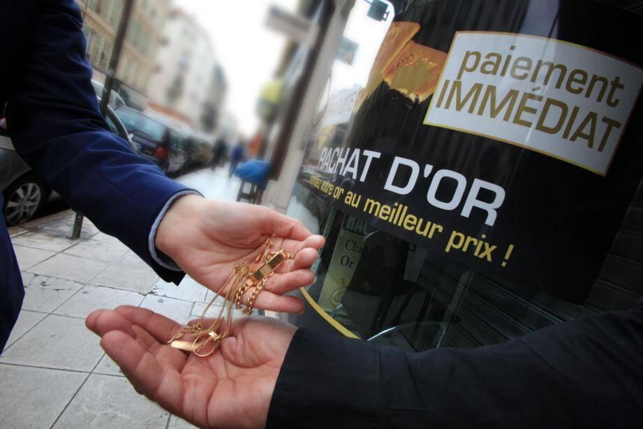 Les magasins de rachat d'or sont mis sous surveillance, reste le problème des boutiques virtuelles.