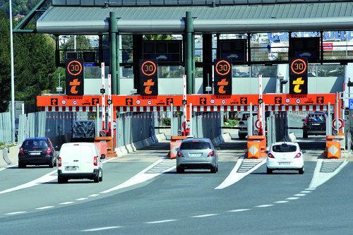Photo d'illustration : le péage d'Antibes sur l'autoroute A8