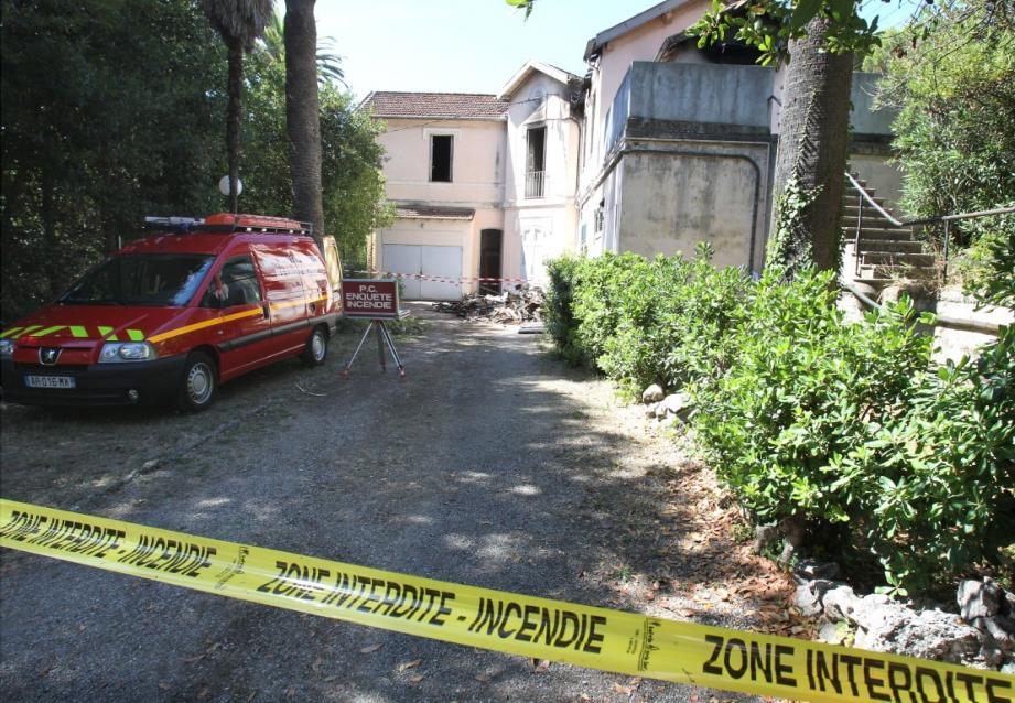 Dans la nuit de dimanche à lundi à Cannes, un local technique du foyer Sainte-Famille a été incendié après effraction.