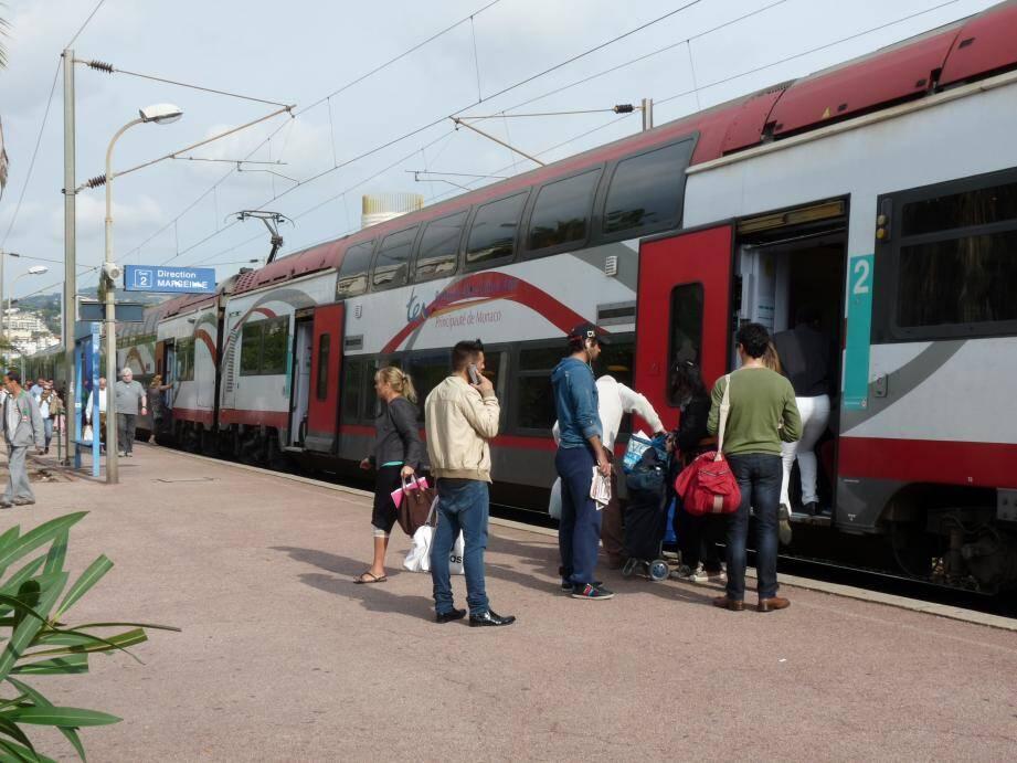 La gare de Riquier, construite en 1882, reçoit 6400 voyageurs par jour. Et attend toujours son accessibilité pour les personnes à mobilité réduite.