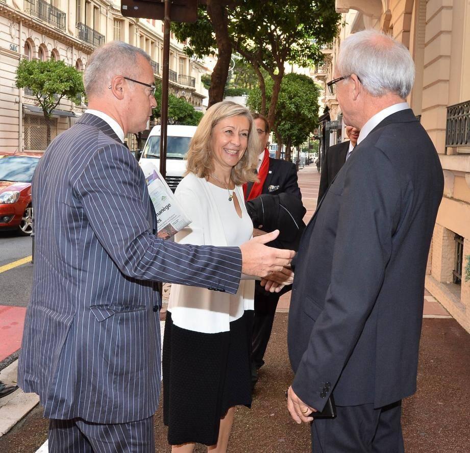 La ministre déléguée aux Français de l'étranger a écouté les doléances des Français de Monaco, ce vendredi matin à la Maison de France.