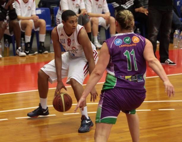 Le Cavigal Nice Basket, privé de sa capitaine Alex Tchangoué pour un mois, cherche du renfort.