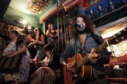 Le 2 novembre prochain, au théâtre de Verdure, c'est le Niçois Médi qui mettra en musique l'inauguration du hard Rock Café.