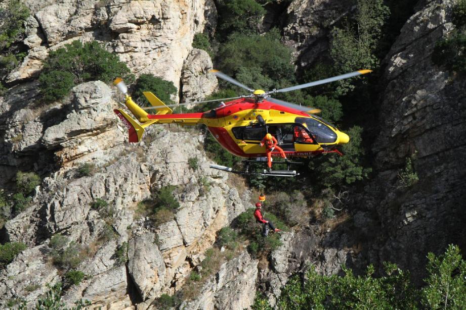 Un mois après la mise en œuvre d'un nouveau schéma départemental de secours en montagne, c'est déjà la guerre entre les services.(Jean-Pierre Belzit)