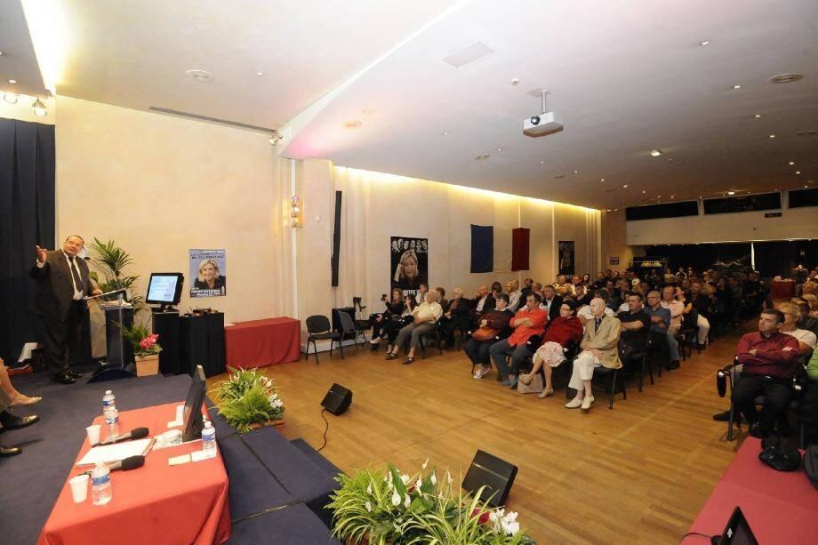 Environ cent vingt personnes ont assisté à la réunion publique vendredi soir.