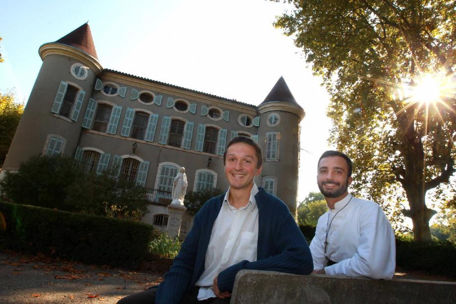 Gonzague de Pontac et Bruno Riche, séminaristes à La Crau : deux jeunes gens engagés auprès de Dieu.