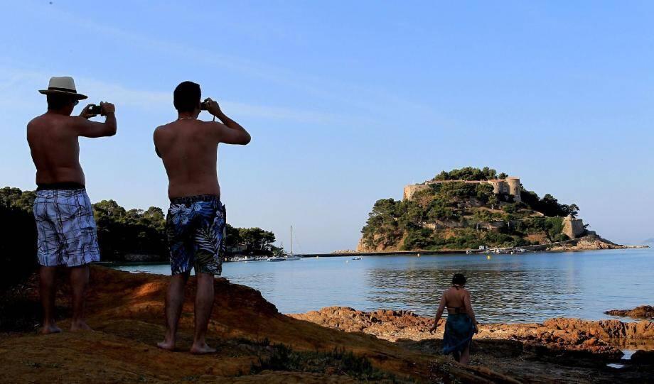 Le Fort de Bégançon était une place forte des présidents de la République et un lieu très secret.