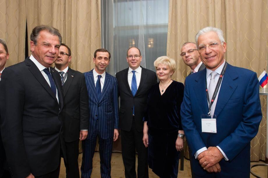 Le souverain a été accueilli par les entrepreneurs monégasques et le tout-Moscou économique.