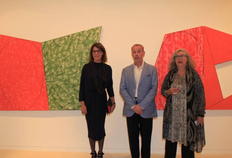 La princesse Caroline a été guidée dans l'exposition, hier matin, par Marie-Claude Beaud et Loïc Le Groumellec (à ses côtés sur notre photo de droite).