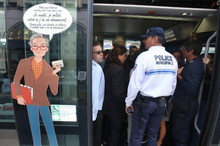 La police municipale accompagne souvent les agents du Groupe de sûreté contrôle transport.