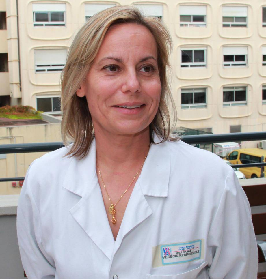 Le Dr Isabelle Casini a répondu aux questions des familles avec l'équipe de l'unité de soins palliatifs.