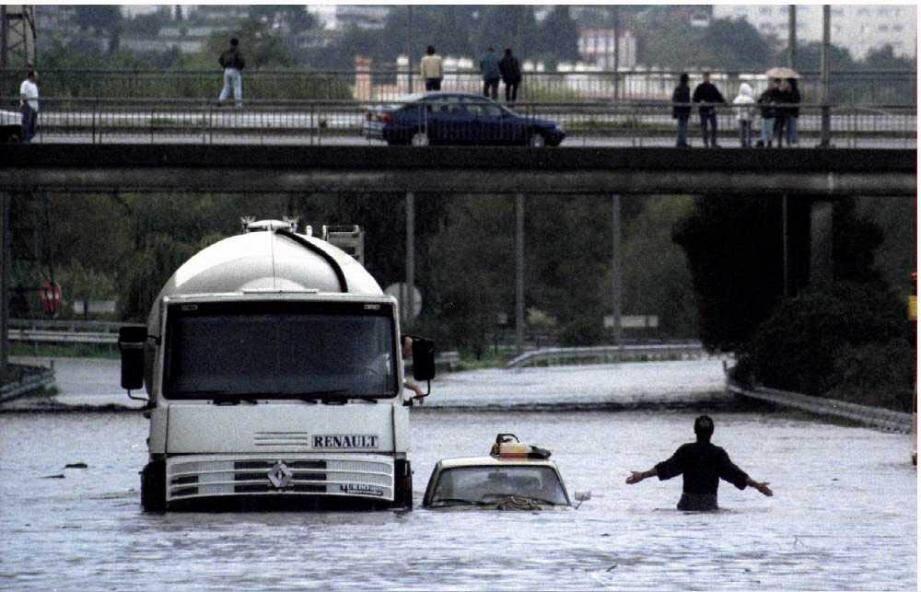 Le 5 et 6 novembre 1994, le fleuve Var sort de son lit et provoque un véritable cataclysme dans les Alpes-Maritimes.