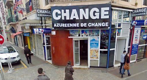 """""""L'Azuréenne de change"""", à l'angle des rues Maréchal Foch et Jean-Jaurès, a été le théâtre d'un braquage à la disqueuse avorté, ce lundi matin vers 8h20."""