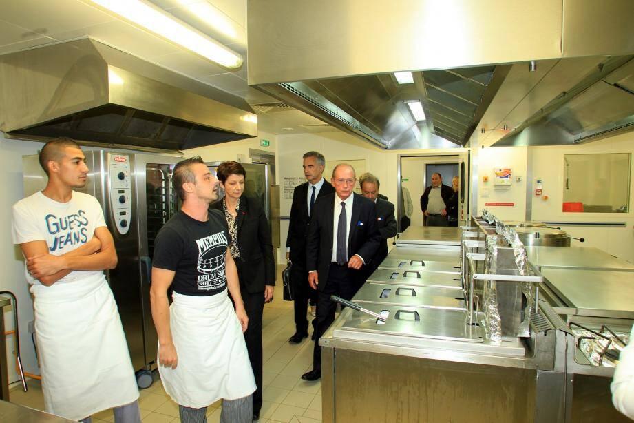Les élus ont inauguré la cuisine du lycée Curie.