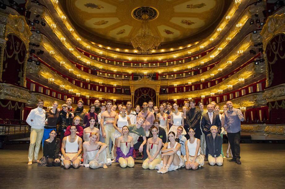 Les cinquante danseurs des Ballets de Monte-Carlo ont eu l'honneur de se produire, vendredi soir, sur la scène historique du Bolchoï, à Moscou.