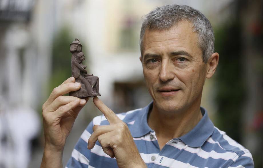 C'est cette statuette en chocolat basée sur la sculpture de Geneviève Labrousse d'après un dessin de Raymond Peynet que Christian Cottard avait éditée.