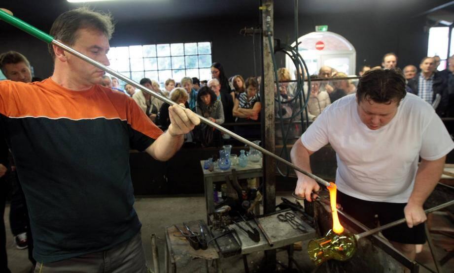 Les visiteurs ont pu admirer le travail d'artisans dont les gestes ancestraux demandent une précision sans faille.
