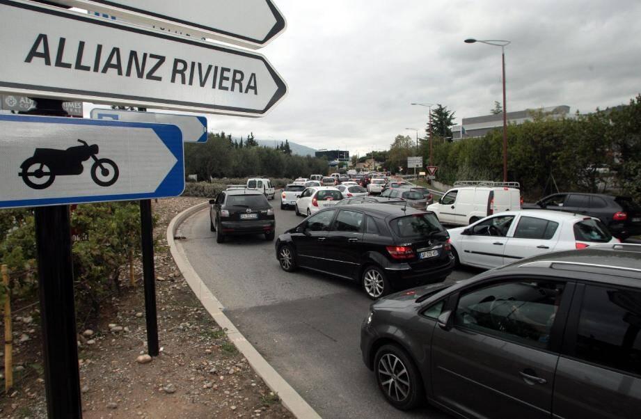 Différentes mesures ont été prises pour éviter les embouteillages. La plus efficace reste l'utilisation des transports en commun.