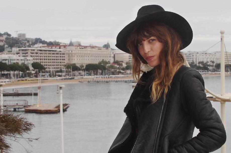 C'est au Midem de Cannes, où elle a donné son premier show-case professionnel en janvier 2013, que l'aventure scénique de Lou Doillon a véritablement commencé...