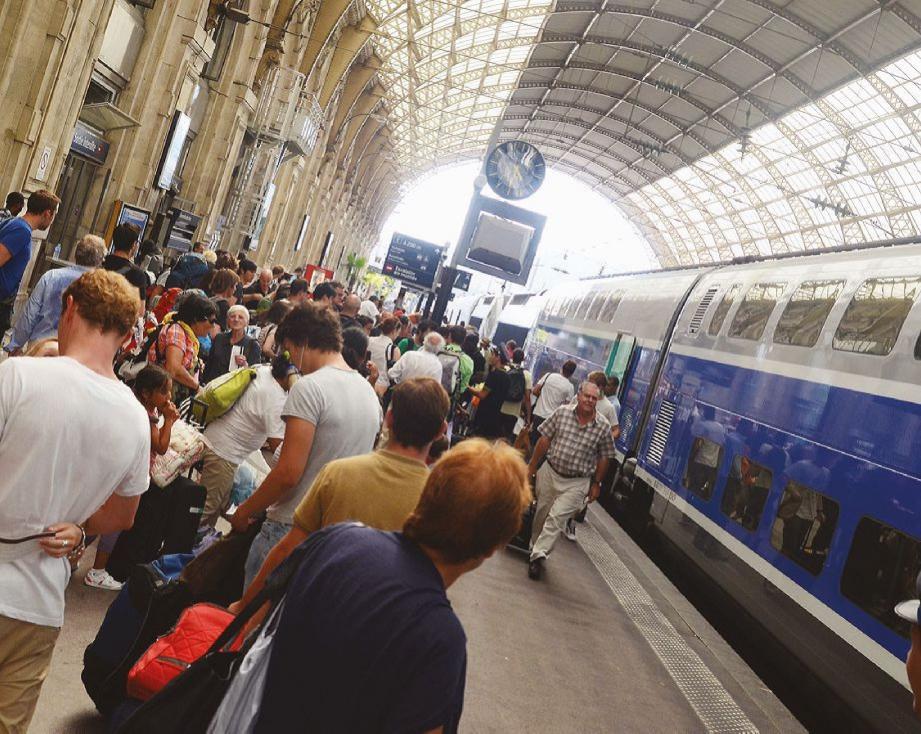 Une personne s'est donnée la mort samedi après-midi à Nice, en jetant sous un train à la gare Thiers.