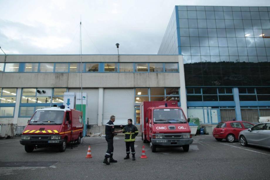 L'intervention des pompiers n'a pas permis d'identifier le mystérieux gaz toxique qui a entraîné l'hospitalisation de sept personnes.