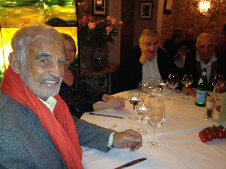 Jean-Paul Belmondo, Aldo Maccione, Charles Gérard : les fidèles de Georges Lautner se sont retrouvés chez Mamo au Michelangelo, le restaurant fréquenté par le cinéaste en octobre dernier.
